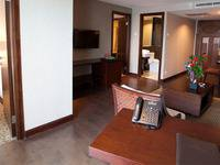 El Royale Hotel Bandung - Parahyangan Suite With Breakfast Regular Plan