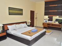 Fendi's Guest House Malang - Family Room Regular Plan