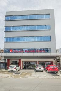 RedDoorz Plus @ Grand Pacifik Hotel Makassar