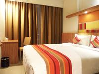 Kyriad Hotel Airport Jakarta - Deluxe with Breakfast Simple Deal