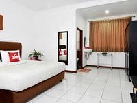 ZenRooms Villa Duta - Double Room Regular Plan