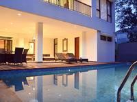 Pinus Villa Dago Bandung - 5 Bedroom With Private Pool - Hanya Kamar Promo