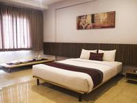 Simply Valore Hotel Cimahi - Deluxe Double Bed Regular Plan