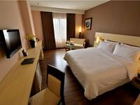 Hotel California Bandung - Deluxe King With Breakfast Special Promo
