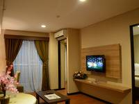 Grand Serpong Hotel Tangerang - Family 3Bed With Breakfast Regular Plan