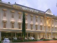 Hersya Front One Inn di Surabaya/Gayungan