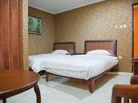 Rumah Shinta Jakarta - Kamar Keluarga dengan Sarapan Pagi Hot Deals !