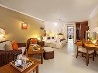 Holiday Resort Lombok - Deluxe Beach Bungalow Save 43%