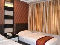 Puncak Budget Hotel Pangkalpinang - Superior Twin Room Regular Plan