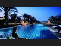 The Ritz-Carlton Jakarta, Mega Kuningan di Jakarta/Kuningan