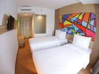 MaxOneHotels at Resort Delia Makassar - Happiness Twin Room Only  Regular Plan