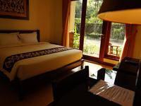 Sasono Putro Guest House Yogyakarta - Deluxe Room Regular Plan