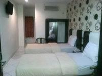 Mangga Dua Hotel Makassar Makassar - Superior Twin Room Regular Plan