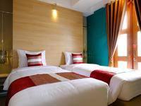 Tibera Hotel Ciumbuleuit Bandung - Deluxe Twin Bed Paket Menginap 2 malam