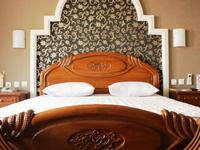 Hotel Lingga Bandung - Deluxe Room With Breakfast Special Discount!
