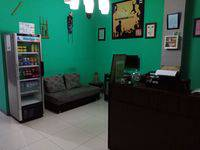 Chez Bon Hostel Bandung - Medium Bed AC Shared Bathroom (1 Person/bed) Breakfast Regular Plan