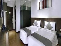 NEO Dipatiukur Bandung - Superior Room with Breakfast Regular Plan