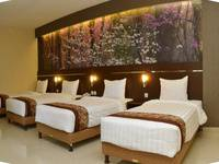 Bess Resort & Waterpark Lawang - Deluxe Triple Room Regular Plan