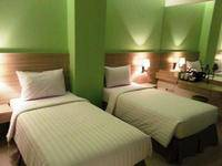 Whiz Prime Kelapa Gading - Superior Twin Room Only Save 15%