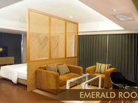 Crown Prince Hotel Surabaya - Emerald Room Regular Plan