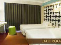 Crown Prince Hotel Surabaya - Cozy Twin Room Only Basic Deal 25% Off