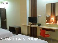 City Hotel Tasikmalaya - Deluxe Twin Bed Room Regular Plan