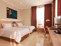 Topaz Residence Jakarta - Deluxe Room With Breakfast Regular Plan
