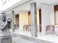 Agung & Sue Watering Hole I di Bali/Sanur