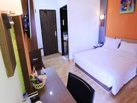 De' Nearby Hotel Manado - Superior Room Mobile Apps Regular Plan