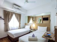 Red Planet Surabaya - Twin Room Regular Plan