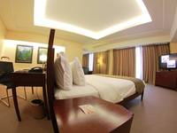 Merlynn Park Hotel Jakarta - Armani Suite With Breakfast Regular Plan
