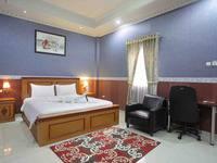 Imelda Hotel Padang - Deluxe Room Regular Plan
