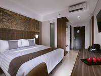 Neo+ Awana Yogyakarta - Superior Room with Breakfast Regular Plan