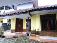 Villa Panderman Indah Malang - Family Room Breakfast Regular Plan