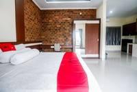 RedDoorz Plus near Kualanamu Airport Medan - RedDoorz Room Regular Plan