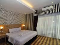 MGriya Guest House Purwokerto - Deluxe Room Regular Plan