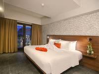 J4 Hotels Legian - Deluxe Double Room with Breakfast Penawaran Terbaik Diskon40 % OFF !! Book Now
