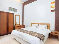 De Tropis Guest House Bandung - Deluxe Room Regular Plan