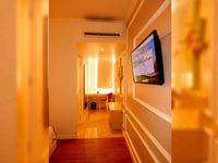 MaxOneHotels Glodok - Happiness Double Bed Room Only Regular Plan