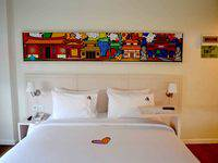 MaxOneHotels Glodok - Warmth Double Bed Room Only Last Minute Deal