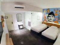 Grab Hotel Gresik Gresik - Platinum Twin (No Window) Room Only