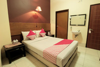 OYO 227 Hotel Sebelas Syariah Bandung - Deluxe Double Limited Time Deal
