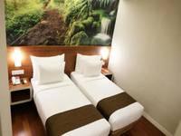 Citihub Hotel at Mayjen Sungkono Surabaya - Standard Twin Room Only Regular Plan