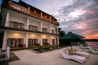 Samuh Ocean Sunset Hotel by WizZeLa