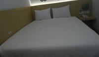 Robotel Makassar Makassar - Superior Room Regular Plan