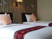 Queen City Hotel Banjarmasin - Deluxe Twin Room Regular Plan