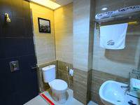 Queen City Hotel Banjarmasin - Standard King Room Only Regular Plan