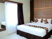 D'Hotel Holiday Makassar Makassar - Deluxe Double Room Regular Plan