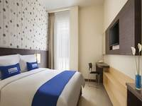 The Grove Express Hotel Jogja - Standard Queen Room Regular Plan