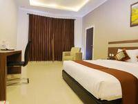 Hotel Raffleshom Bandung - Executive King With Breakfast Regular Plan